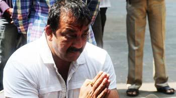 Videos : क्यों मिले संजय दत्त को माफी?