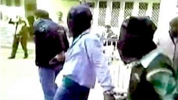 Video : दिल्ली गैंगरेप : दिल्ली पुलिस के दो अधिकारियों को दिया गया नोटिस