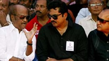 Video : Rajinikanth, other actors join strike for Sri Lankan Tamils