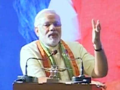 Video : Modi uses Kolkata speech to align with Mamata