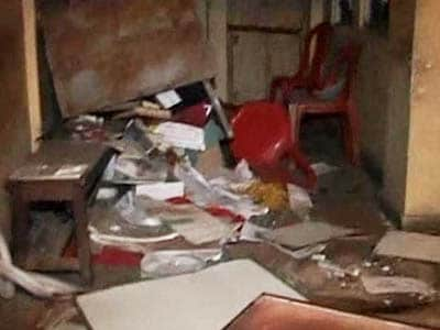 Video : After Mamata's minister heckled in Delhi, CPM offices attacked in West Bengal