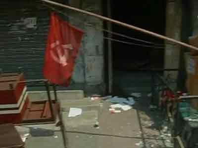 Video : Left office attacked in Bengal