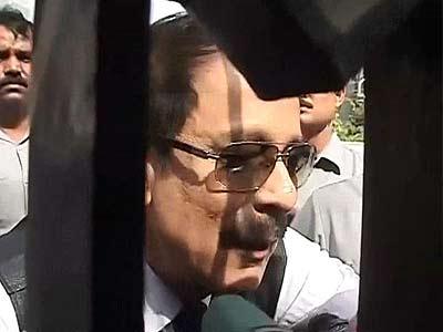 Video : सेबी के समक्ष पेश होने के बाद क्या कहा सुब्रत रॉय ने...