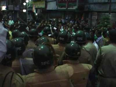 Video : Bengal's politics of violence: Presidency University ransacked