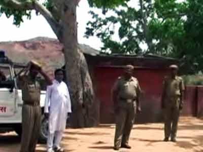 Video : अलवर में गैंगरेप पीड़िता के घर पर हमला