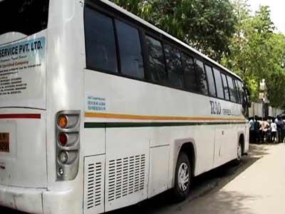 Video : दिल्ली : चार्टर्ड बस में 10 साल की बच्ची से बलात्कार