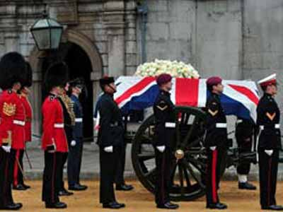 Video : Britain bids farewell to the Iron Lady