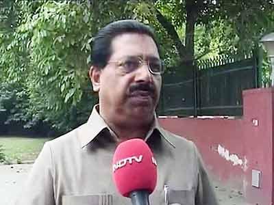 Videos : 2-जी : पीसी चाको पर गर्माई राजनीति