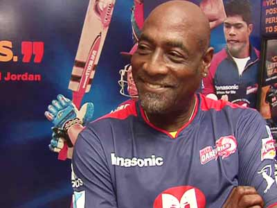 Video : Fans should wear helmets when Gayle is batting: Viv Richards