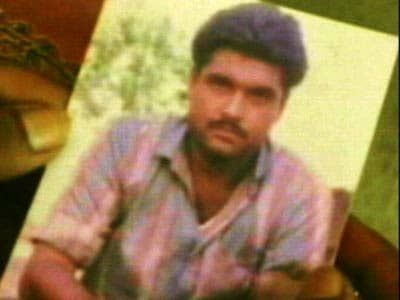 Video : Sarabjit continues to be in 'deep coma'; family to visit him today