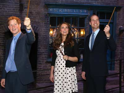 Video : Pottermania grips British Royals