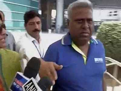 Video : CBI a 'caged parrot', chief Ranjit Sinha agrees