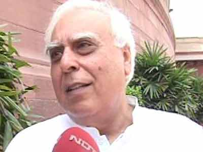 Video : Sibal gets additional charge of Law Ministry, Joshi to handle Railways