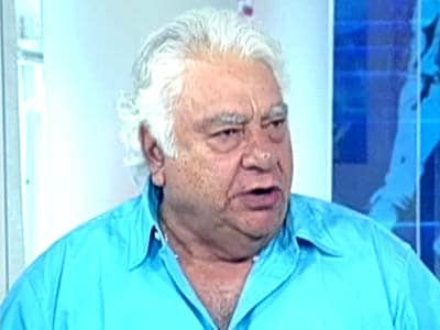 Video : IPL analysis, Mumbai Indians vs Sunrisers Hyderabad: Pollard kept hitting home runs, says Farokh Engineer