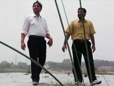 Videos : एनडीटीवी क्लासिक : पानी पर लूट और यमुना पर छूट