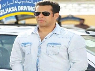 Video : Salman's <i>Mental</i> exercise is still on