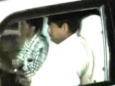 Video : Two Andhra ministers, charged with corruption, finally quit