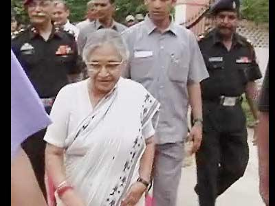 Videos : शीला दीक्षित ने सरकारी पैसे से किया पार्टी का विज्ञापन : लोकायुक्त