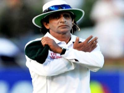 Video : Umpire Asad Rauf allegedly being probed in the spot-fixing scandal