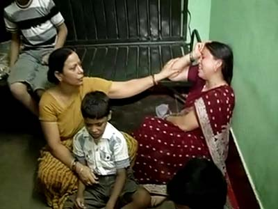 Video : He had promised to be back home on Sunday: son of security officer killed in Naxal attack
