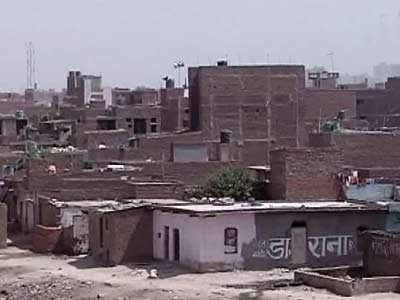 Video : Illegal construction halted along Yamuna bed
