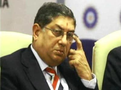 Videos : प्राइम टाइम : श्रीनिवासन हिलने को तैयार क्यों नहीं?