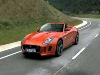 Video : Fiery F-Type V8