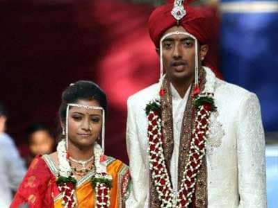 Video : Cricketer Ankeet Chavan, arrested in spot-fixing scandal, ties the knot