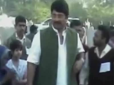 Video : UP cop's murder: Raja Bhaiya not named in CBI's chargesheet