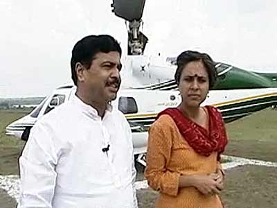 Video : Follow The Leader: Pramod Mahajan (Aired: October 2004)