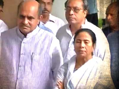 Video : Analysis of the day's top story on India Decides @ 9 (June 12, 2013)