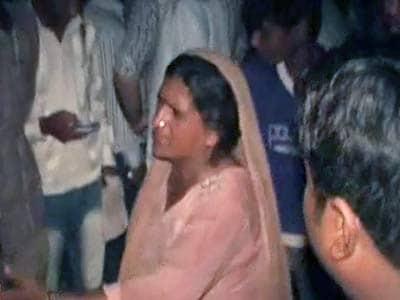 Video : महविश ने की परिवार सहित खुदकुशी की कोशिश