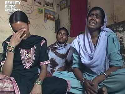 Video : Reality Bites: After Godhra, waiting for the men (Aired: April 2002)