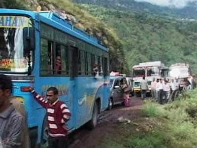 Video : 1500 tourists stranded in Himachal Pradesh after heavy rain