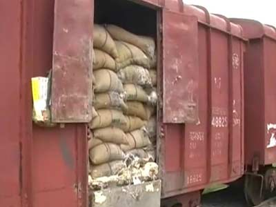Video : Rot destroys thousands of quintals of rice meant for poor in Uttar Pradesh