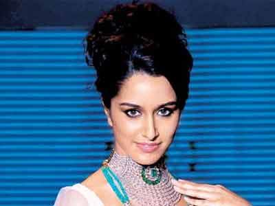Video : Shraddha Kapoor refuses to act opposite Abhishek Bachchan