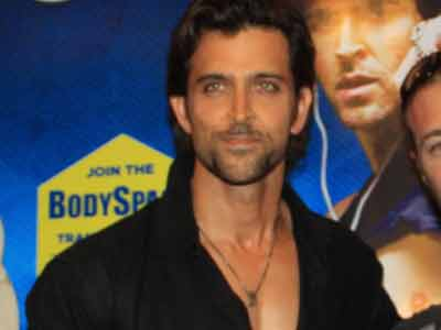 Video : Hrithik puts high security in SRK's VFX studio