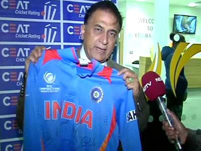 Dhoni has ability to rise from ashes: Gavaskar