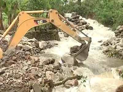 Video : Uttarakhand: helicopters battle rain, thousands stuck in Badrinath