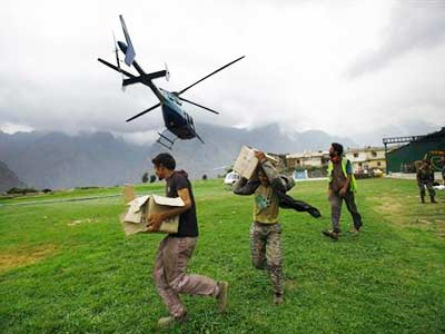 Video : Uttarakhand helicopter crash: 17 bodies found, commandos search area