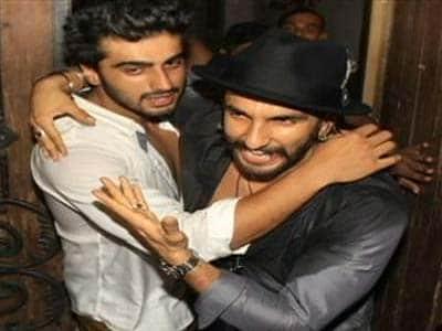 Video : Galaxy of stars at Arjun Kapoor's birthday party