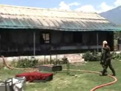 Video : Kashmir protests: Army-run school set on fire