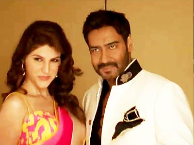 Video : Ajay Devgn suits up for an ad