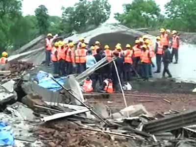 Videos : भिवंडी में इमारत गिरी, एक की मौत