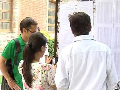 Video : Delhi University's third cut-off list out, but confusion prevails over 4-year course