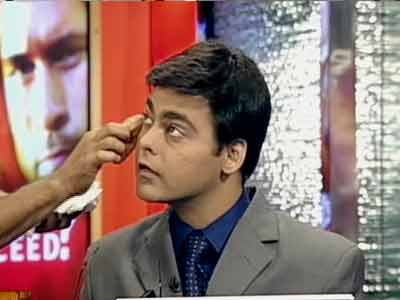 Video : NDTV Bloopers 2007: Make-up, I need make-up