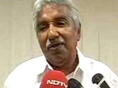 Video : Solar scam: Opposition steps up pressure on Kerala Chief Minister Oomen Chandy to resign