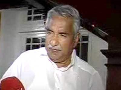 Video : Solar scam: Oommen Chandy refuses to quit as Kerala Chief Minister