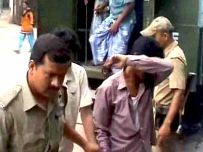Video : Kamduni gang-rape case: Villagers leave for Delhi, to meet President on Monday