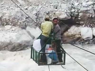 Videos : उत्तराखंड में जारी है जिंदगी की जंग